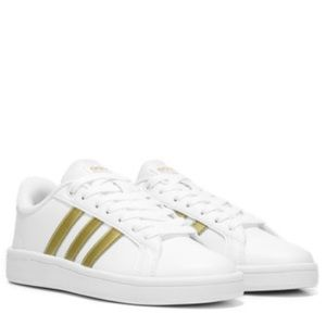 Adidas Cloud foam three stripe shoes